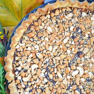 salted vegan caramel pie with cashews